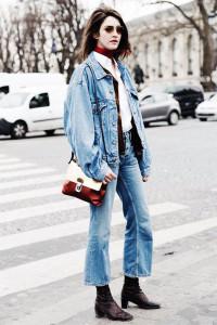 cropped flare jeans con botines - moda primavera verano
