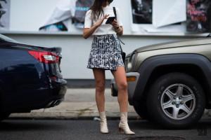 mini-falda con rayas y estampado