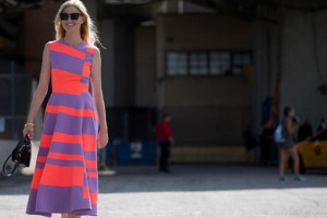 vestido con rayas anchas
