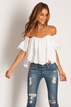 off-the-shoulder-modelo-jeans