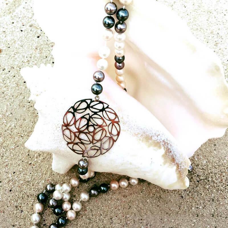 perlas hawianas con dije mandala en plata
