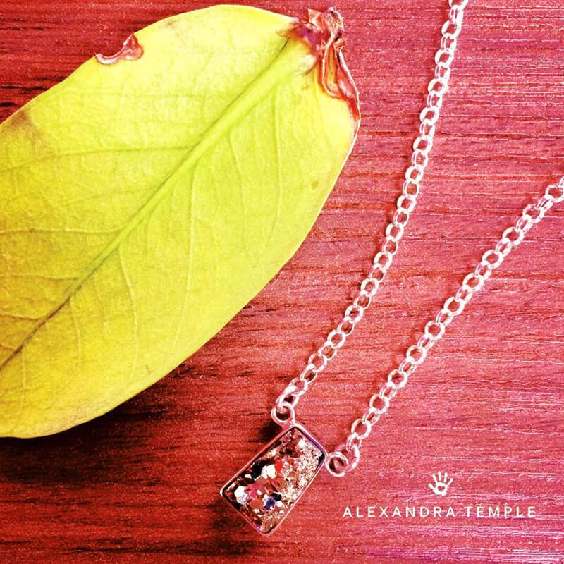 collar mistico con piedra pirita engastado en plata