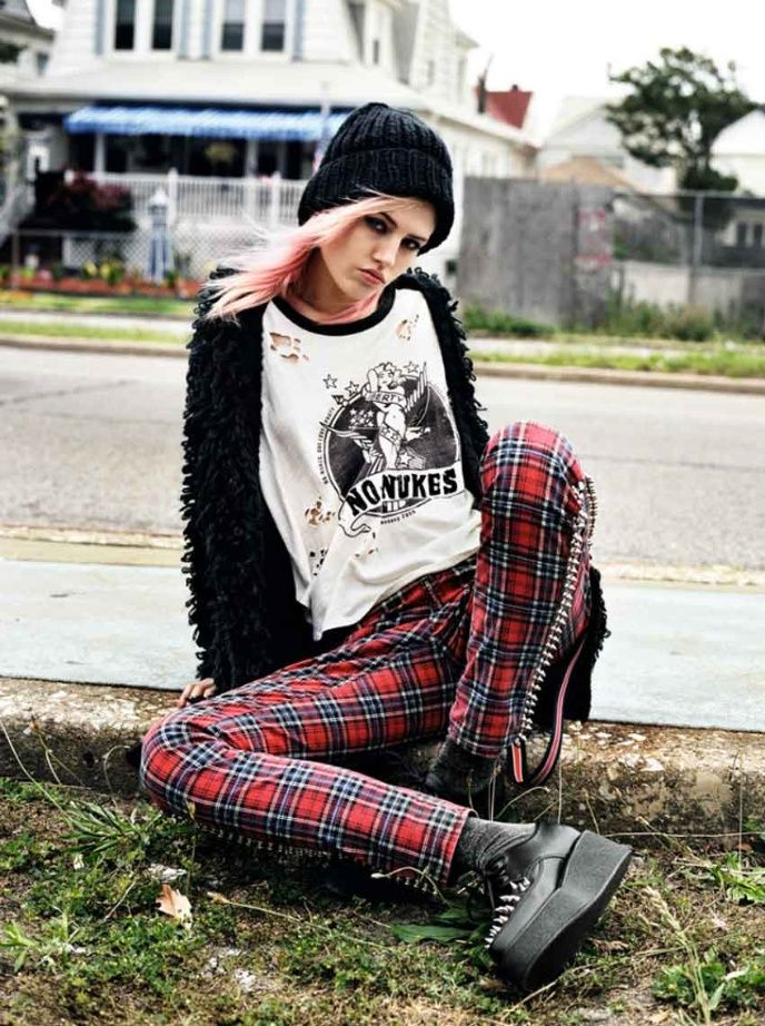 zapatos-punk-look-tachonado